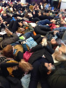 Die in at Westfield © IRR News