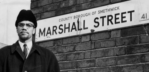 malcolm-x-visits-marshall-street-in-smethwick-453573736